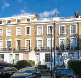 Maisonette for sale in Albert Street view1