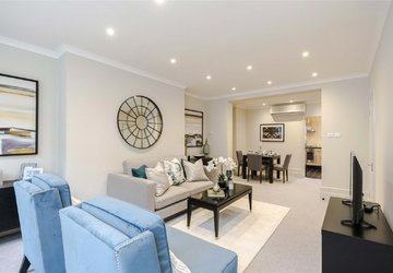 Maisonette for sale in Bentinck Street view1