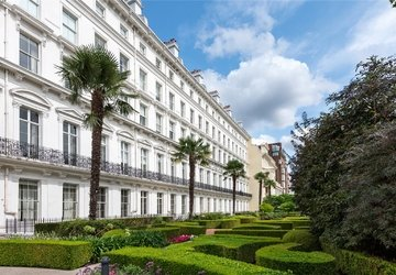 Apartment for sale in Lancaster Gate view1