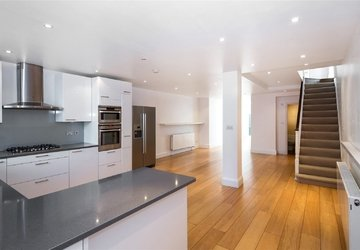 House to rent in Belsize Road view1