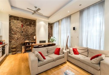 Duplex to rent in Berners Street view1