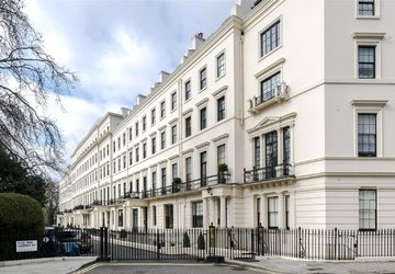 Properties to rent in Hyde Park Gardens view1