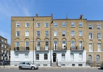 Apartment to rent in Myddelton Square view1