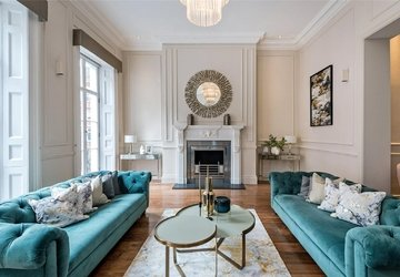 House to rent in Wimpole Street view1