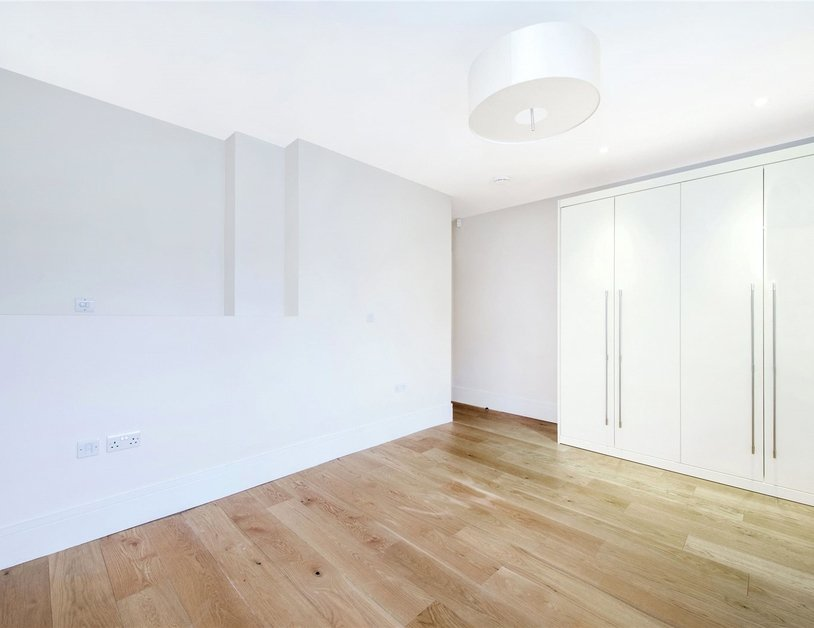 Apartment to rent in Moxon Street view10