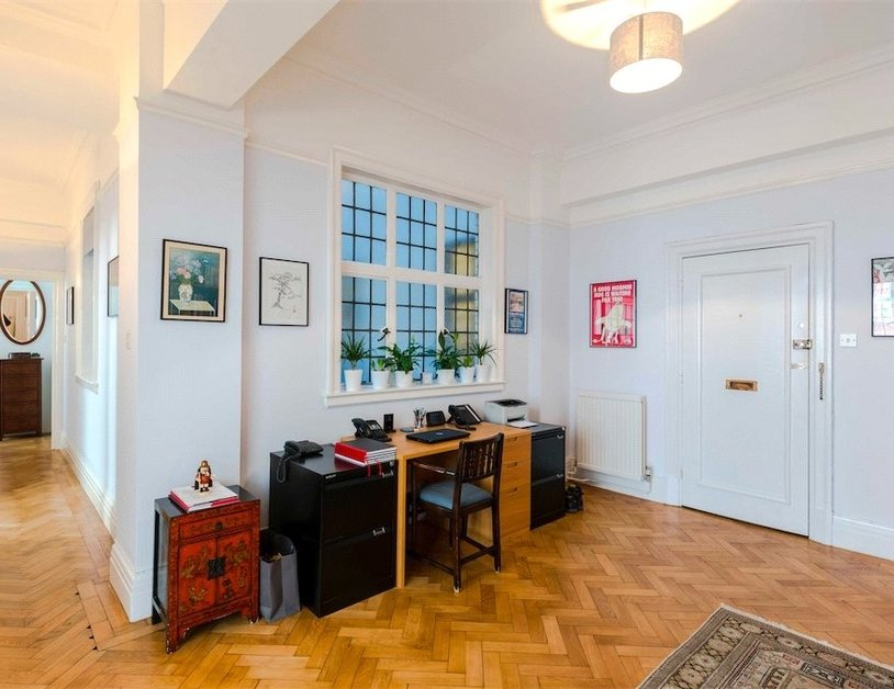 Apartment for sale in Baker Street view9