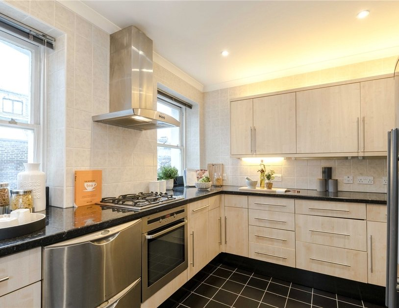 Maisonette for sale in Bentinck Street view16
