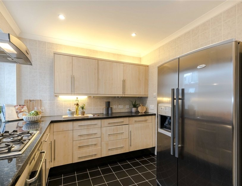 Maisonette for sale in Bentinck Street view3