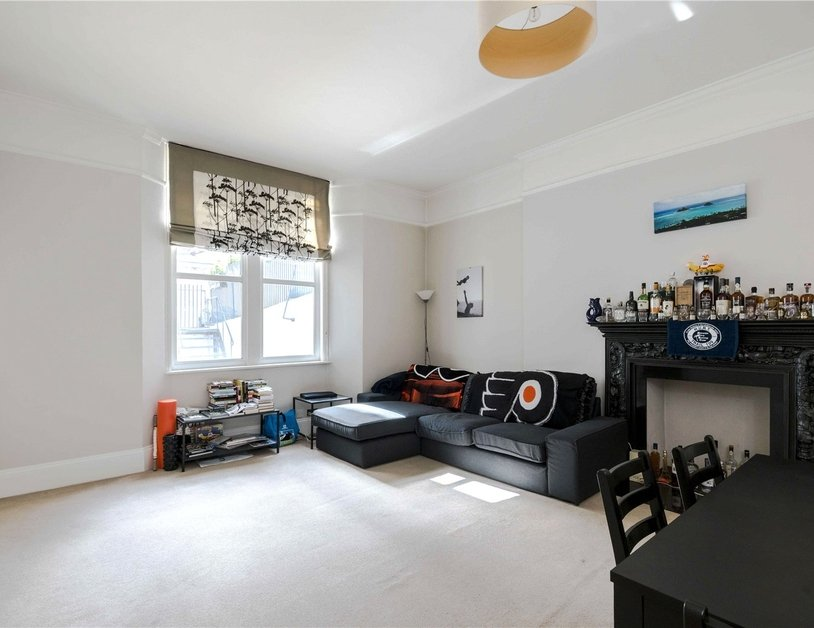 Apartment for sale in Bickenhall Street view6-thumb