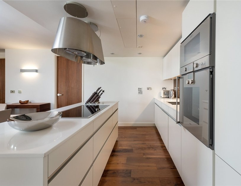 Apartment for sale in Bolsover Street view2