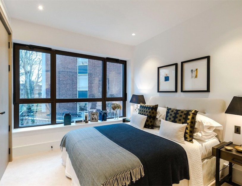 Duplex for sale in Chiltern Street view6