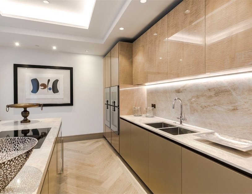 Duplex for sale in Chiltern Street view10