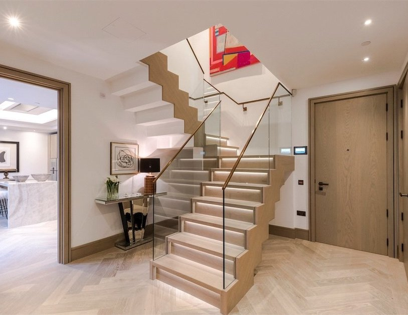 Duplex for sale in Chiltern Street view5