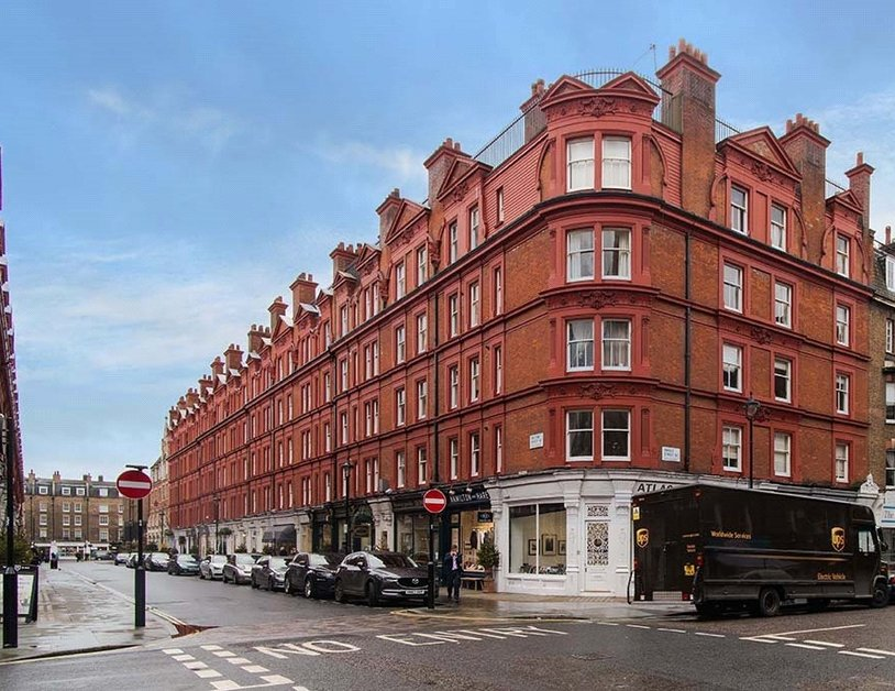 Apartment sold subject to contract in Chiltern Street view4
