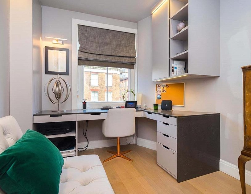 Apartment sold subject to contract in Chiltern Street view3