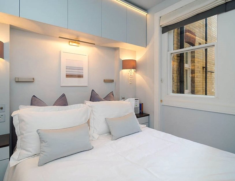 Apartment sold subject to contract in Chiltern Street view13