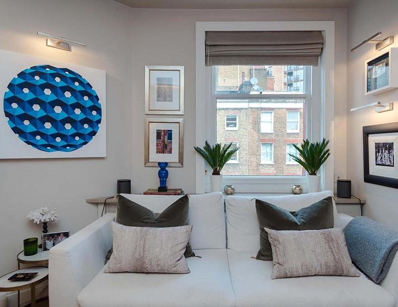 Apartment sold subject to contract in Chiltern Street view10