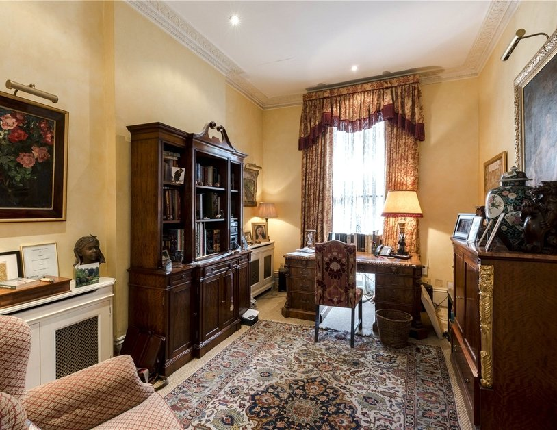 House sold in Connaught Square view6