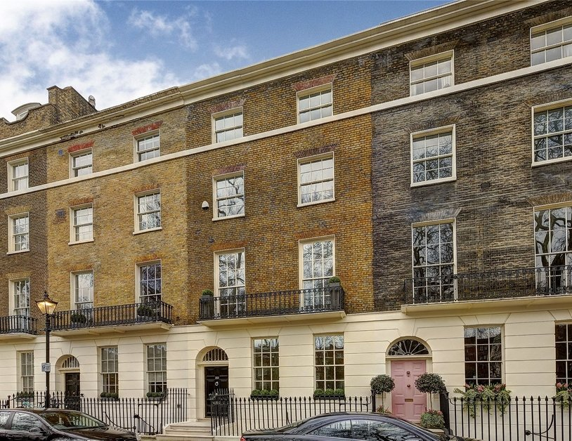 House sold subject to contract in Connaught Square view1