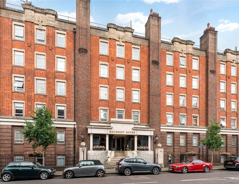 Apartment sold subject to contract in Crawford Street view5