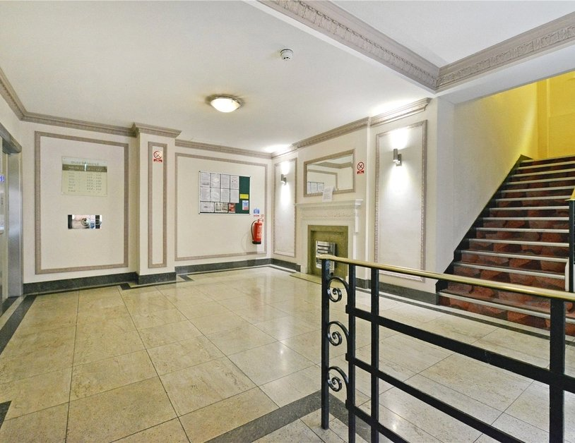 Apartment for sale in Edgware Road view6-thumb