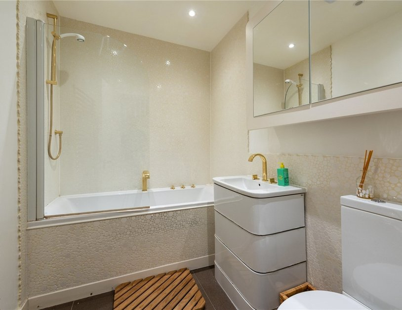 Apartment for sale in Elsham Road view7