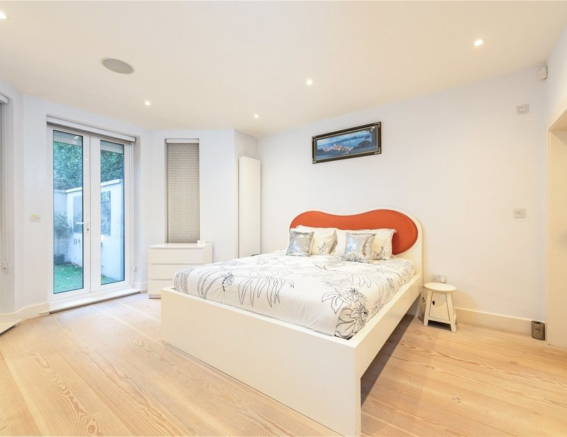 Apartment for sale in Elsham Road view3
