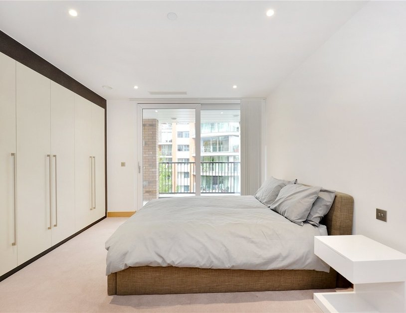 Apartment for sale in Hermitage Street view4-thumb