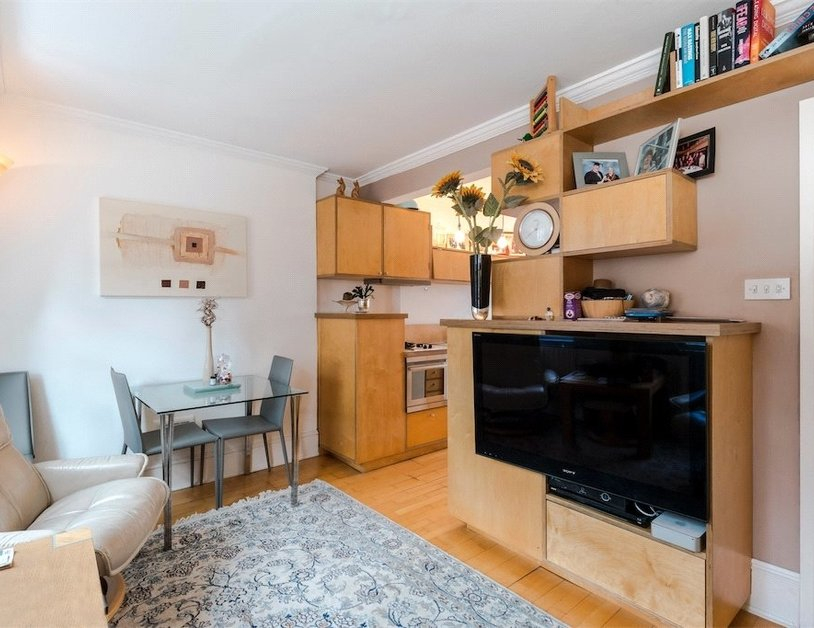 Apartment sold subject to contract in Homer Street view6