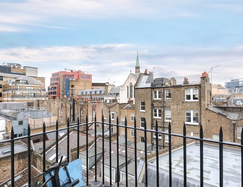 Apartment sold subject to contract in Homer Street view9