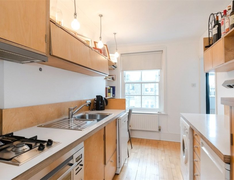 Apartment sold subject to contract in Homer Street view7