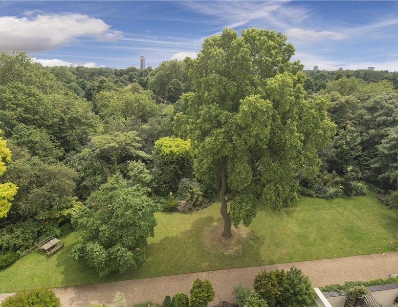 Penthouse sold in Hyde Park Gardens view2-thumb