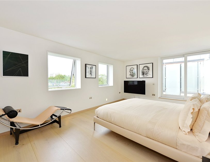 Penthouse for sale in Hyde Park Place view9