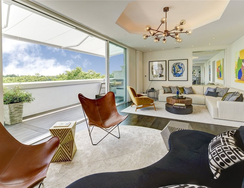 Penthouse for sale in Hyde Park Place view1-thumb