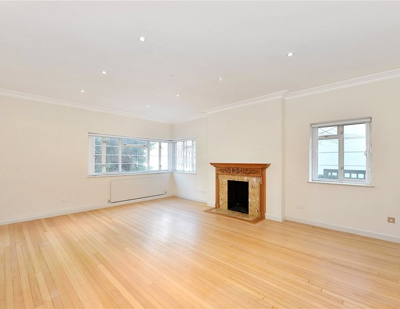 House for sale in Hyde Park Street view2