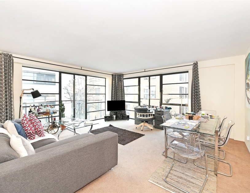 Apartment sold subject to contract in Ice Wharf view2