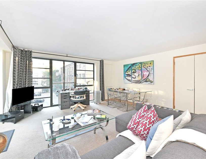 Apartment sold subject to contract in Ice Wharf view4