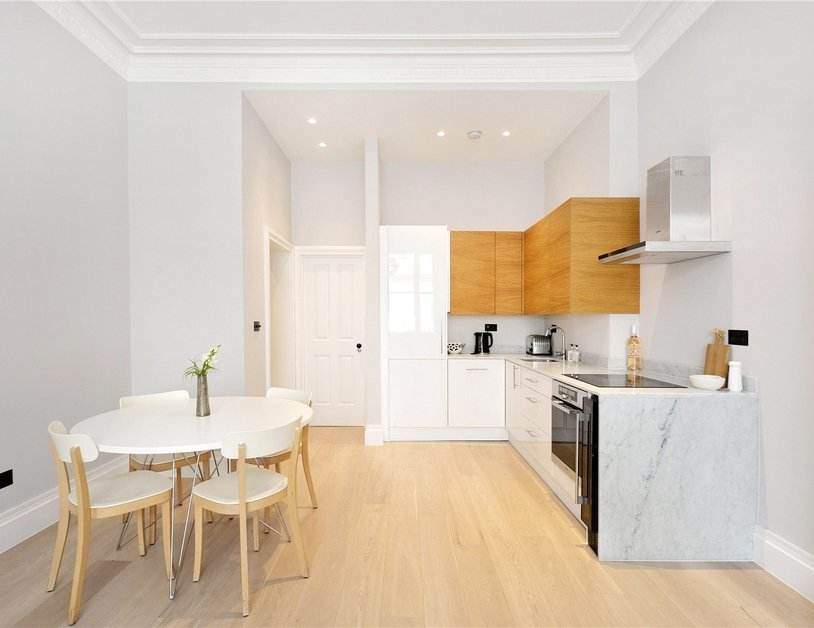 Apartment for sale in Kensington Gardens Square view2