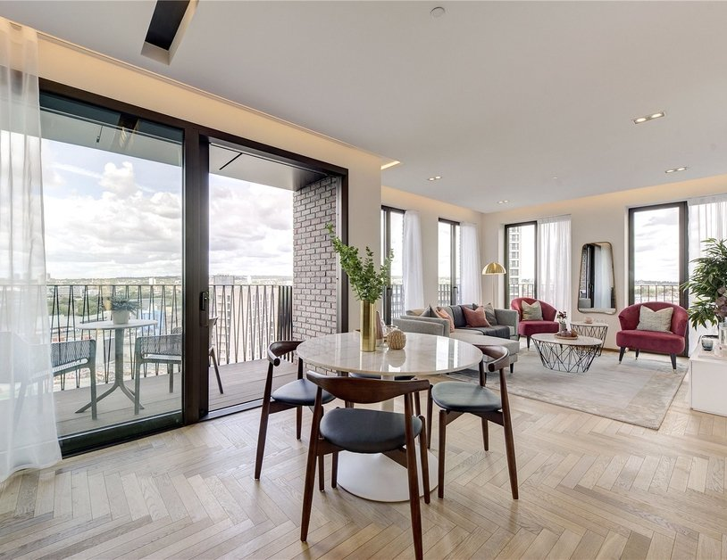 Apartment sold in Lewis Cubitt Walk view4-thumb