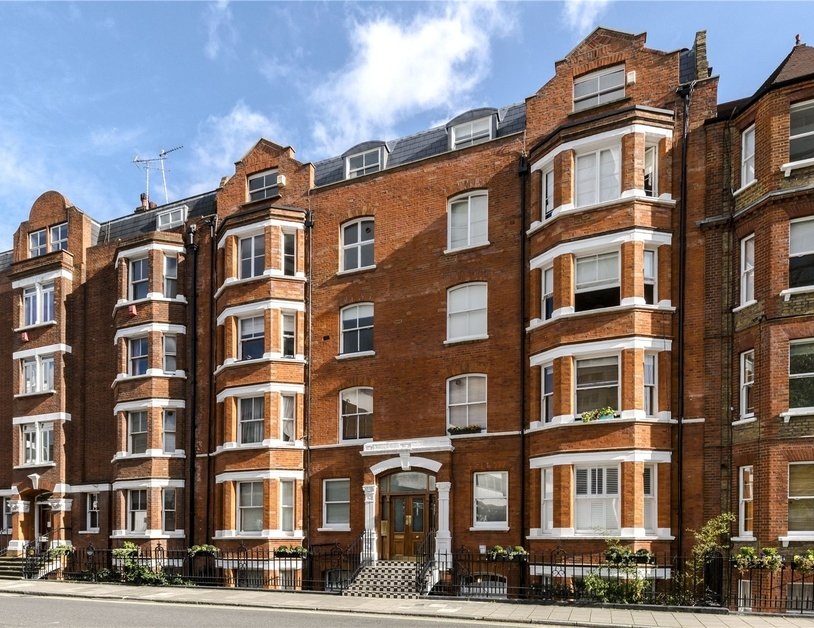 Apartment for sale in Luxborough Street view9