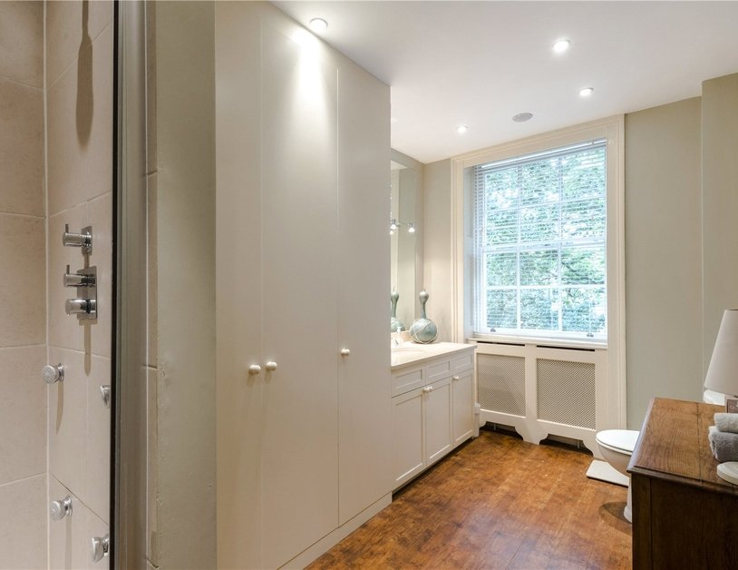 Duplex sold in Montagu  Square view8