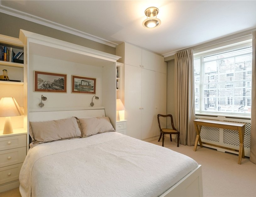 Duplex sold in Montagu  Square view9