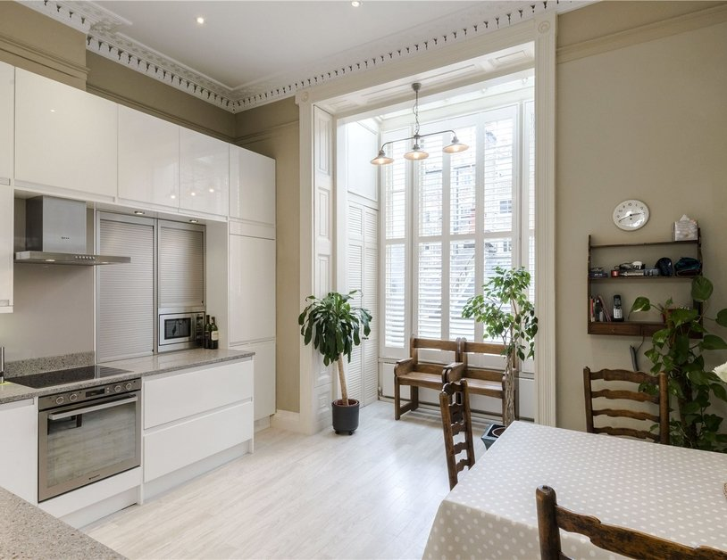 Duplex sold in Montagu  Square view2
