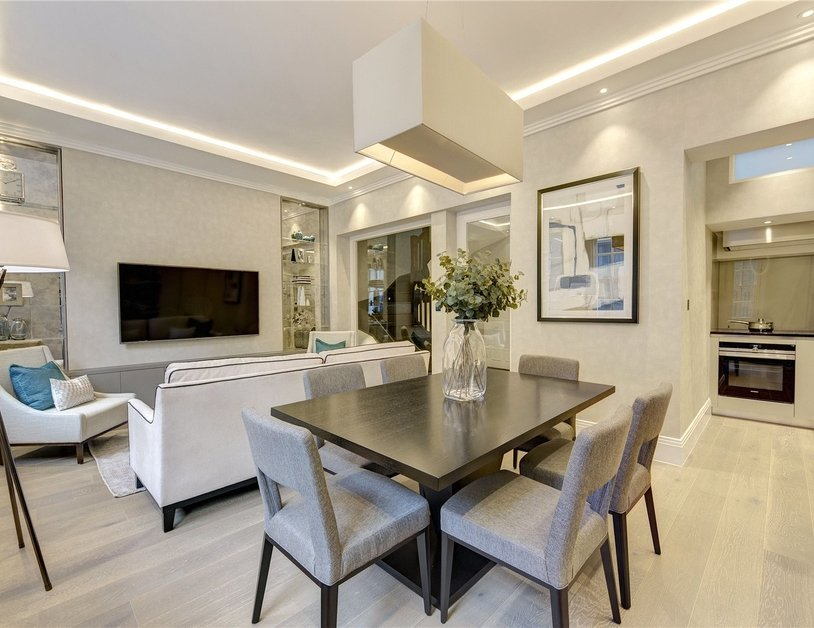 Apartment for sale in Montagu Square view5