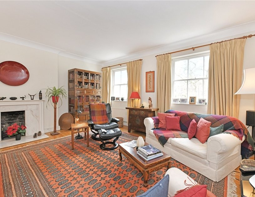 Apartment sold subject to contract in Montagu Square view2