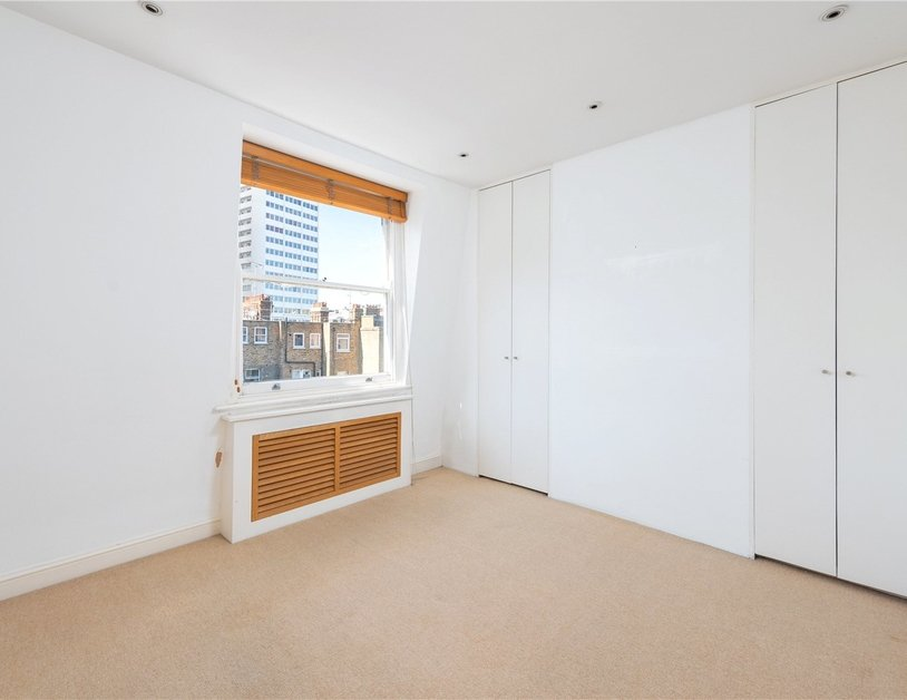 Apartment sold subject to contract in Nottingham Place view4