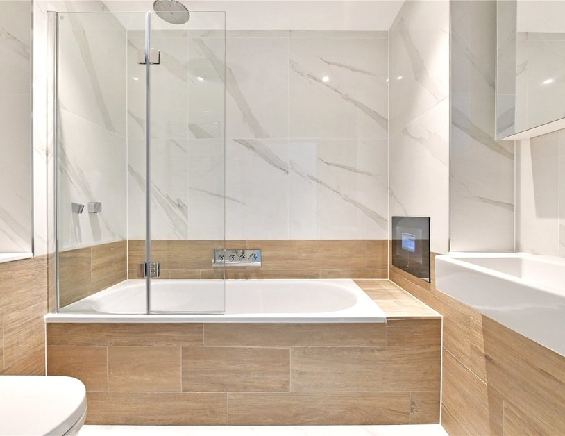 Penthouse for sale in Pentonville Road view1