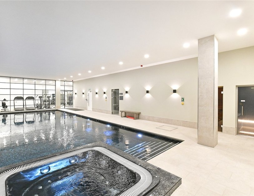 Penthouse for sale in Pentonville Road view12