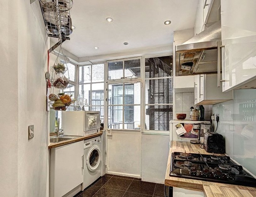 Apartment for sale in Portland Place view3