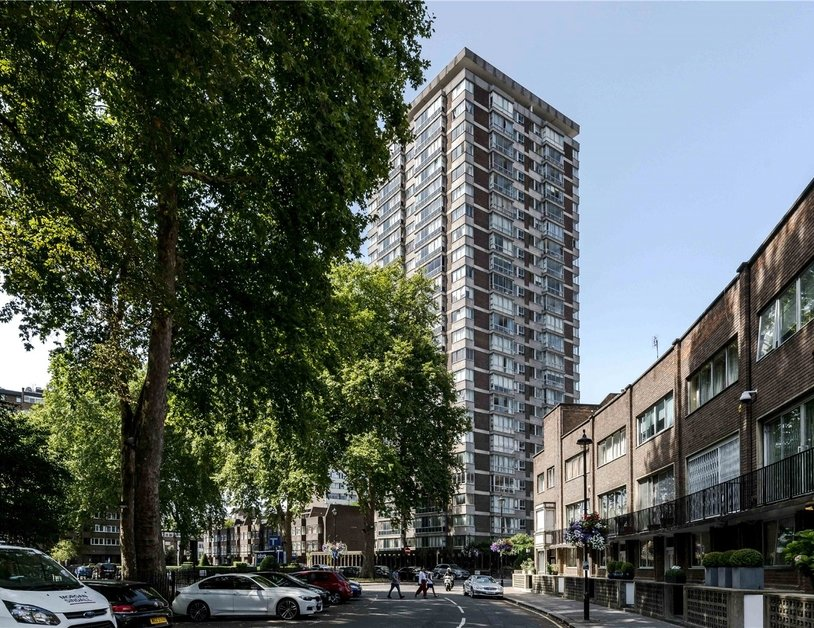 Apartment sold subject to contract in Quadrangle Tower view7